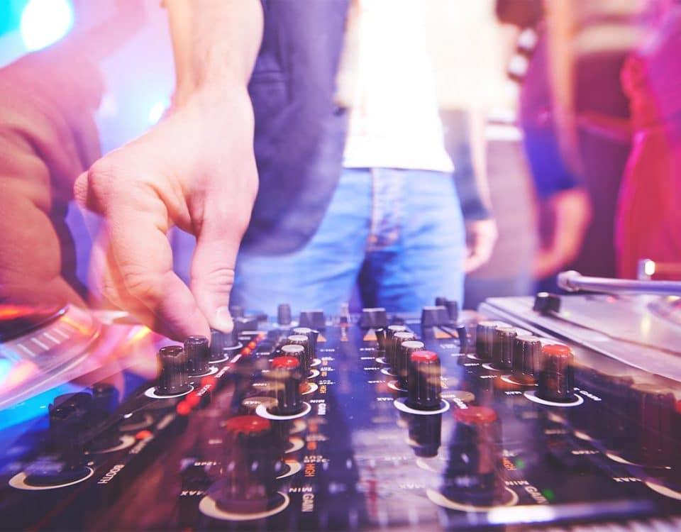 DJ boeken huren